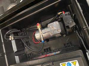 VB Semiair compressor in camper Chausson Ford Transit | Trapmann Air Suspension